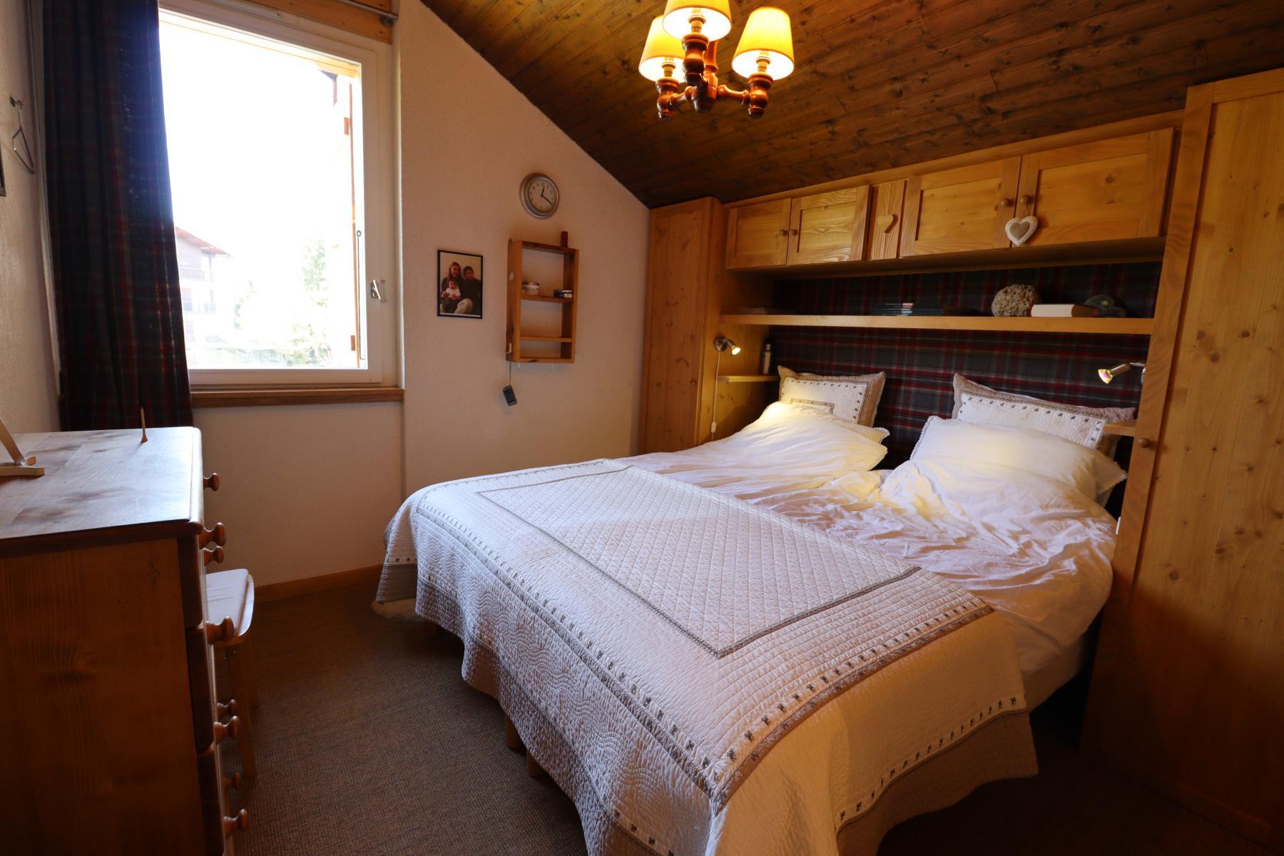 Pameo 4 Master Bedroom